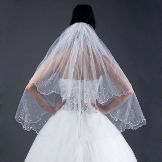 2 tier shorter veil with pearl edging
